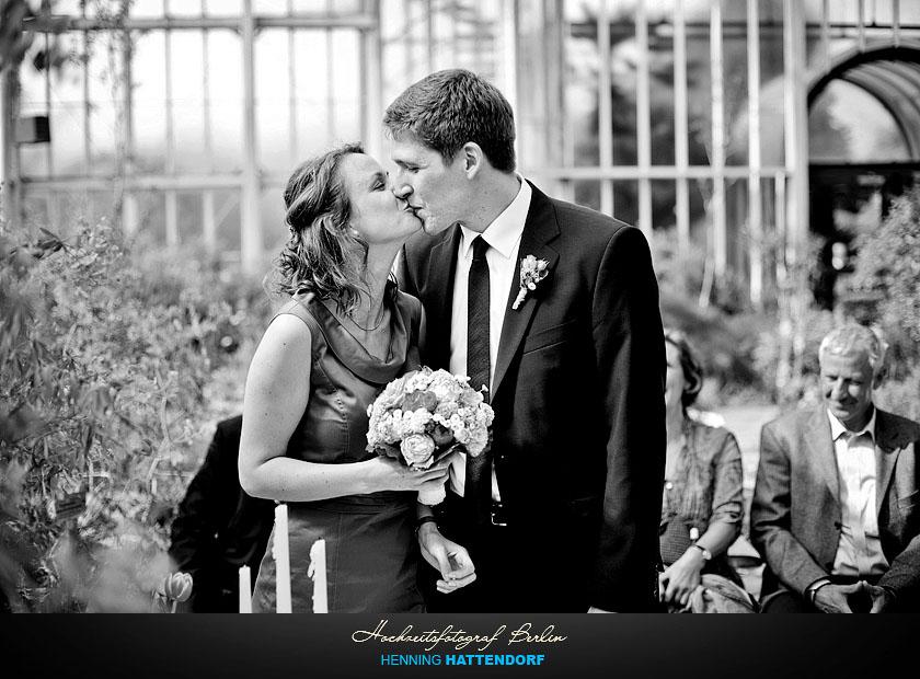 Hochzeitsfotograf Berlin Standesamt Hochzeit Hochzeitsreportage im Botanischen Garten