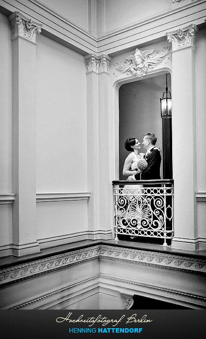 Hochzeitsfotograf Berlin Hochzeitsportrait im Standesamt Villa Kogge