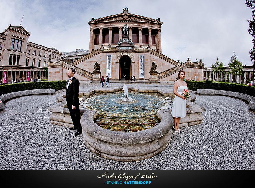 Hochzeitsportrait auf der Museumsinsel Berlin