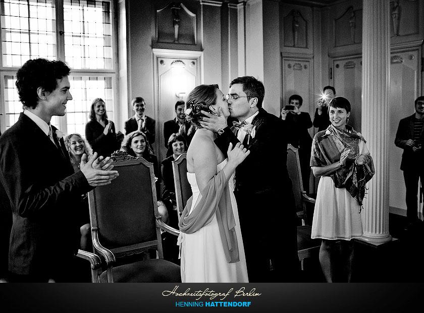Hochzeit im Standesamt Tempelhof Schoeneberg in Berlin