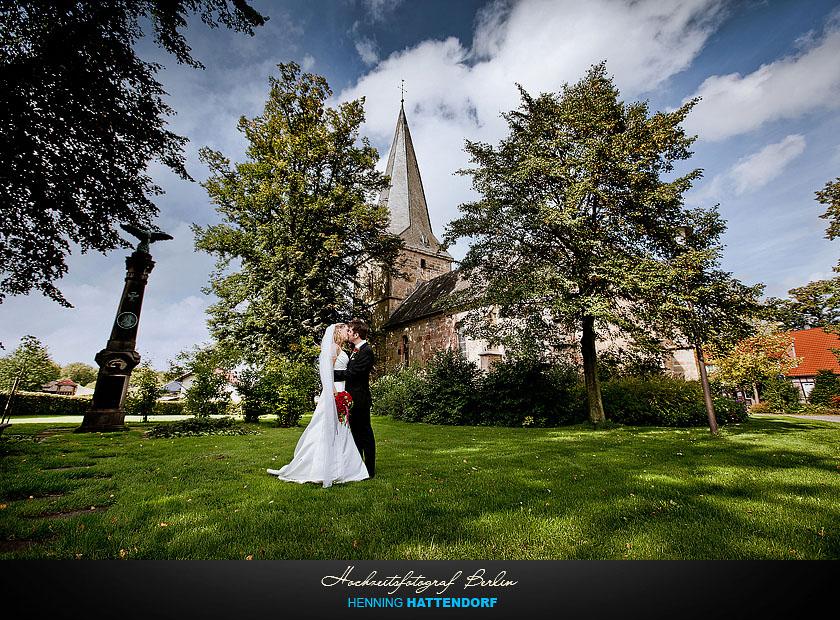Hochzeitsfotograf Osnabrueck Dorfkirche Kirche Ledde
