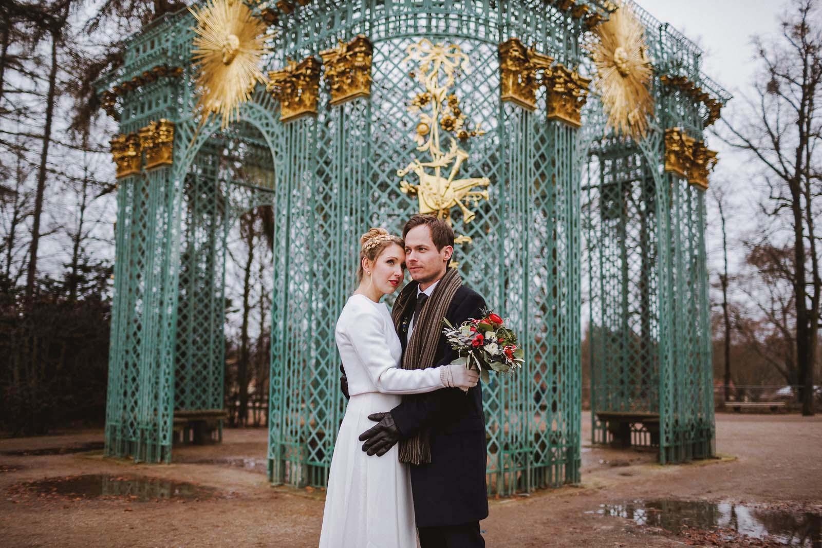 Hochzeitsfotograf Potsdam mit Brautpaar im Schlosspark Sanssouci Copyright by Hochzeitsfotograf www.berliner-hochzeitsfotografie.de