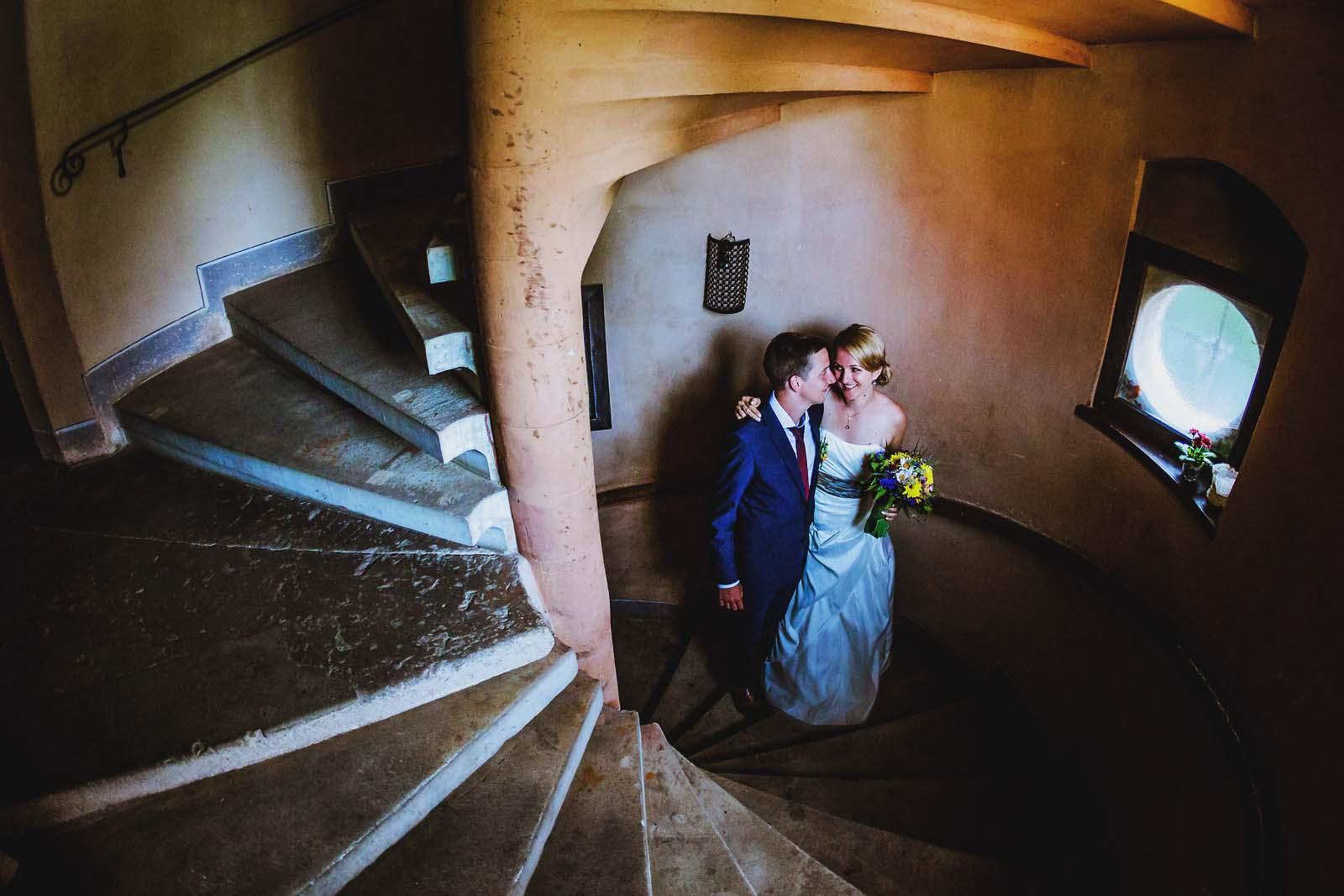Hochzeitsfotograf Dresden beim Fotoshooting im Schloss Scharfenberg Copyright by Hochzeitsfotograf www.berliner-hochzeitsfotografie.de