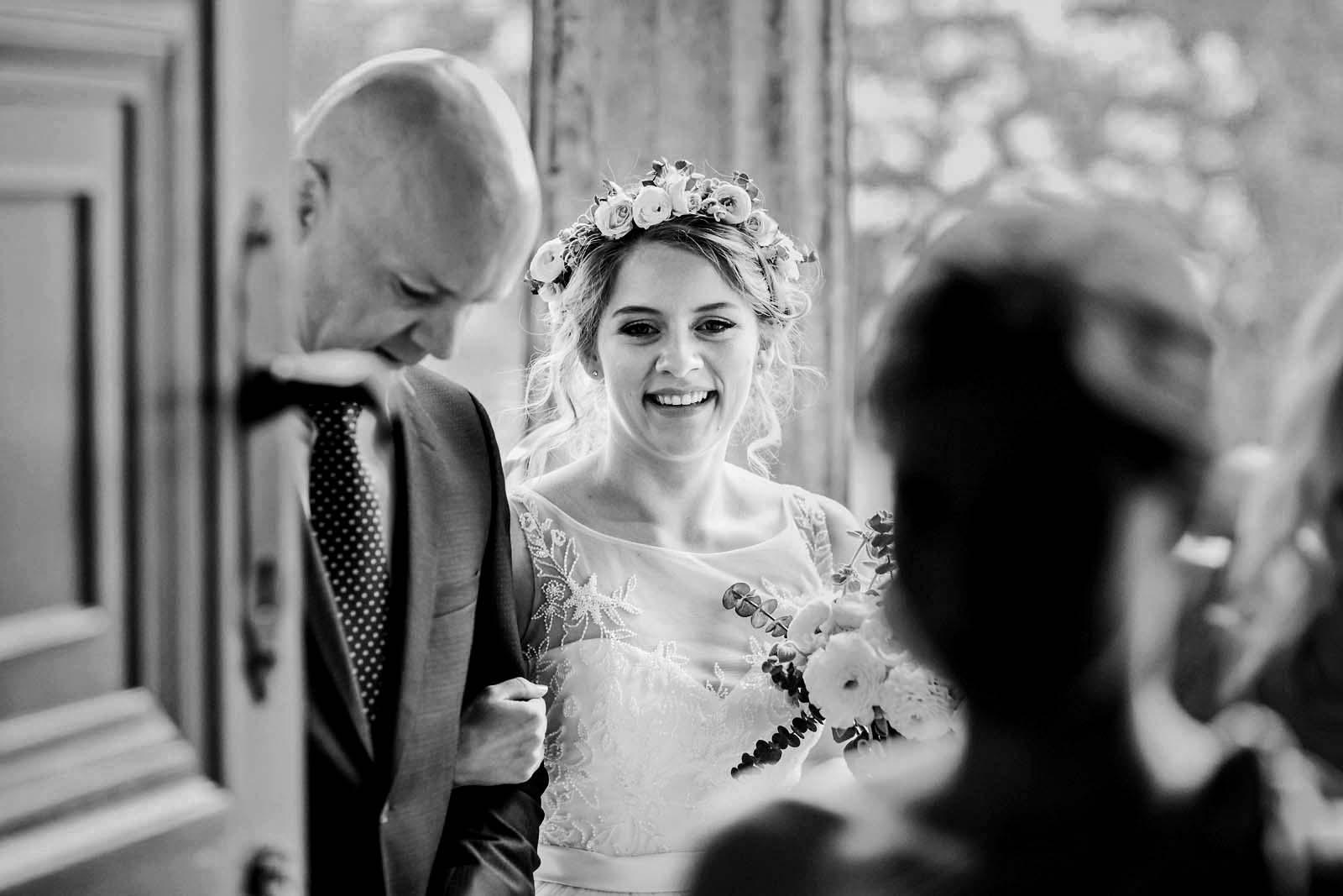 Foto der Braut waehrend der Hochzeitsreportage Copyright by Hochzeitsfotograf www.berliner-hochzeitsfotografie.de