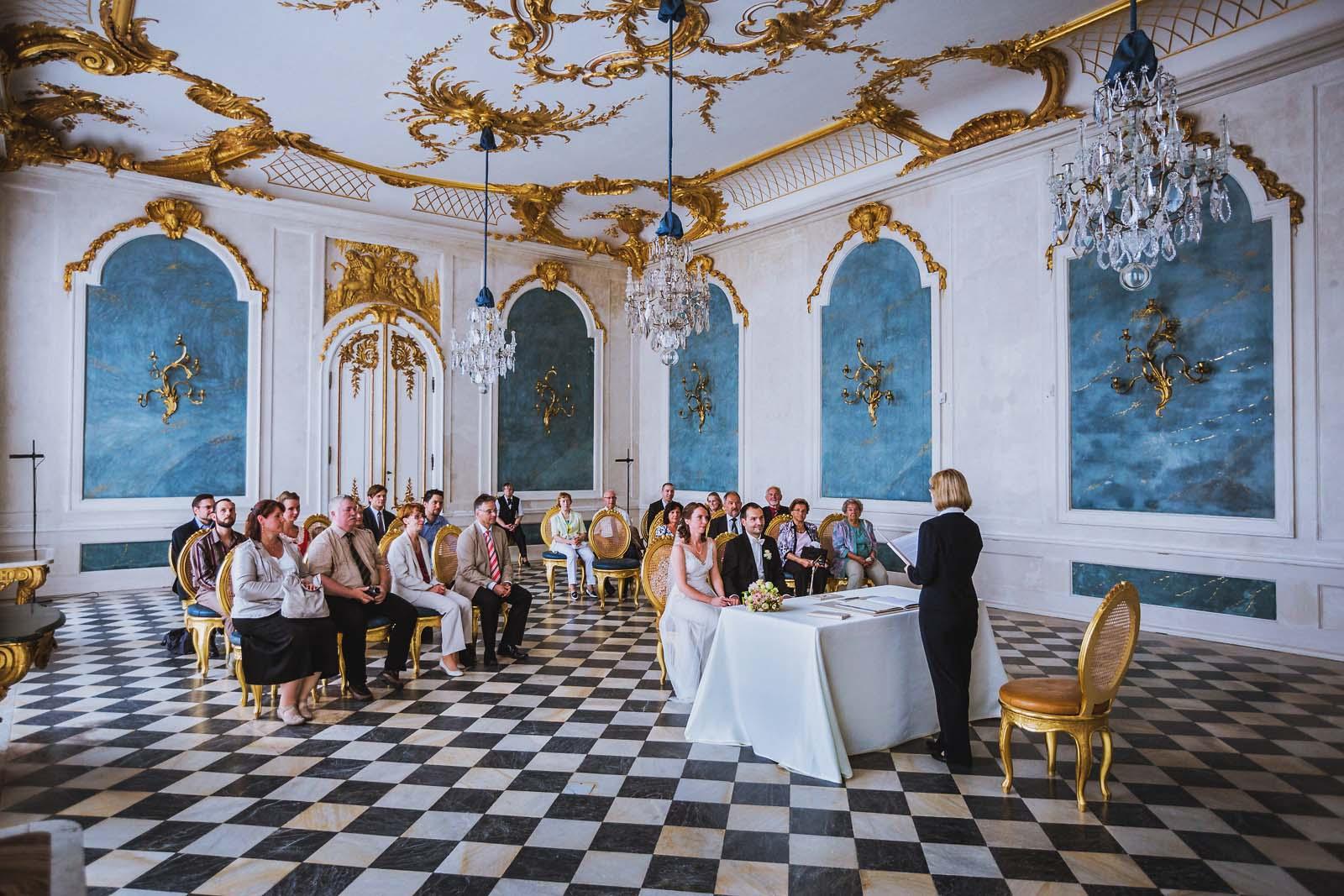 Hochzeitsreportage in den Neuen Kammern Schloss Sanssouci Potsdam Copyright by Hochzeitsfotograf www.berliner-hochzeitsfotografie.de