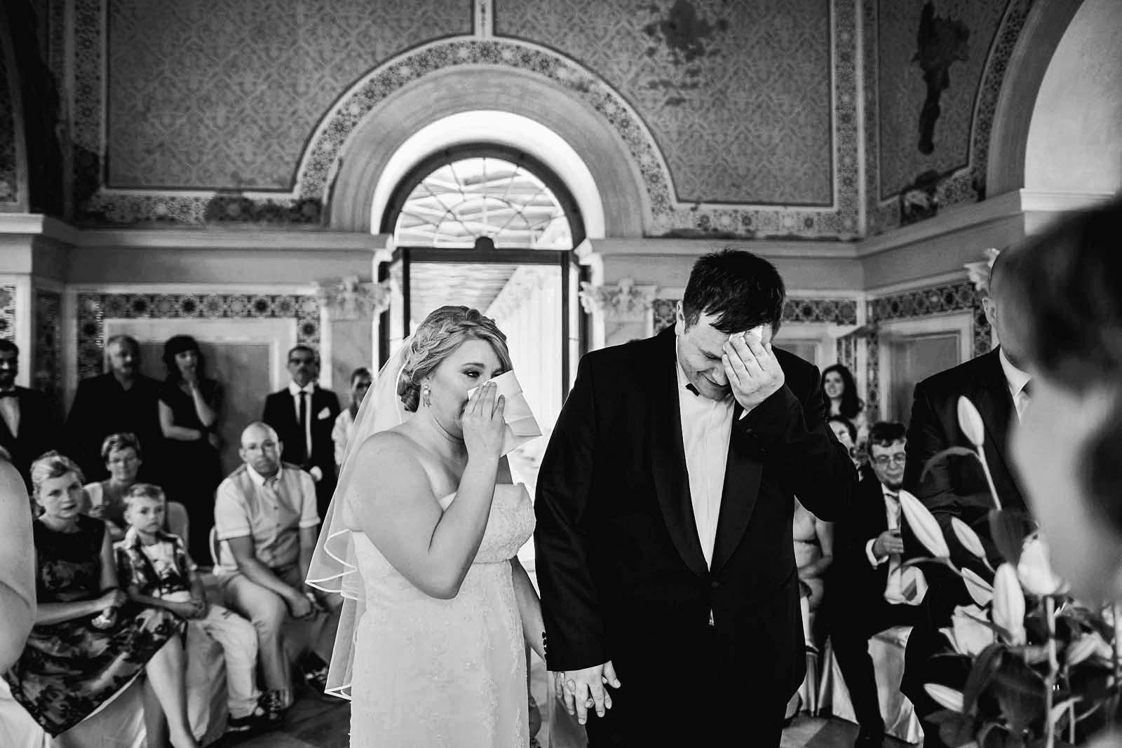 Emotionen bei einer Trauung im Belvedere auf dem Pfingsberg in Potsdam Copyright by Hochzeitsfotograf www.berliner-hochzeitsfotografie.de