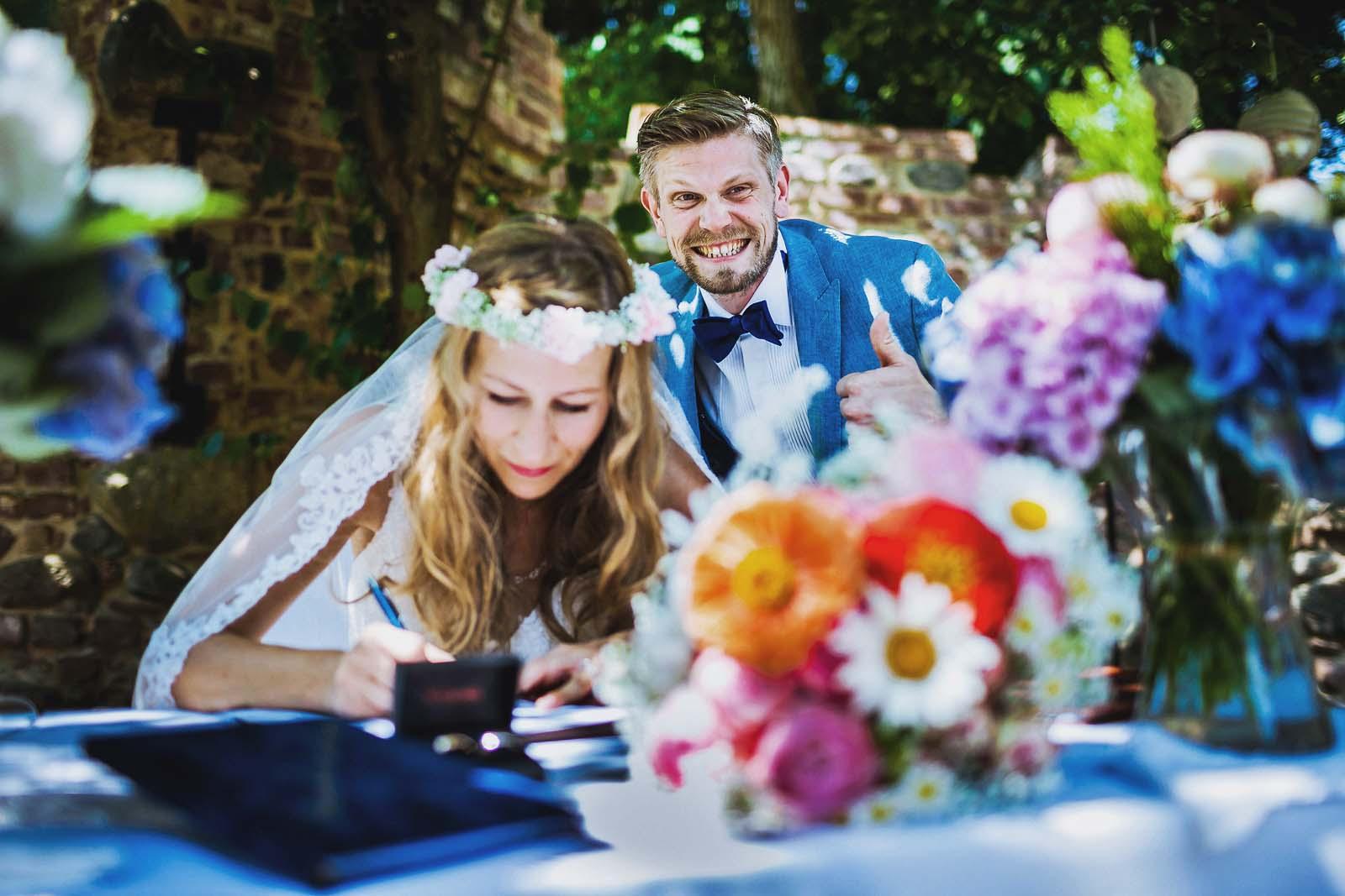 Hochzeitsreportage einer Vintage Hochzeit Copyright by Hochzeitsfotograf www.berliner-hochzeitsfotografie.de