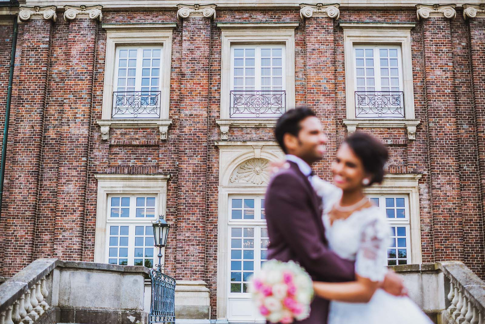 Brautpaar Fotoshooting Schloss Nordkirchen Copyright by Hochzeitsfotograf www.berliner-hochzeitsfotografie.de