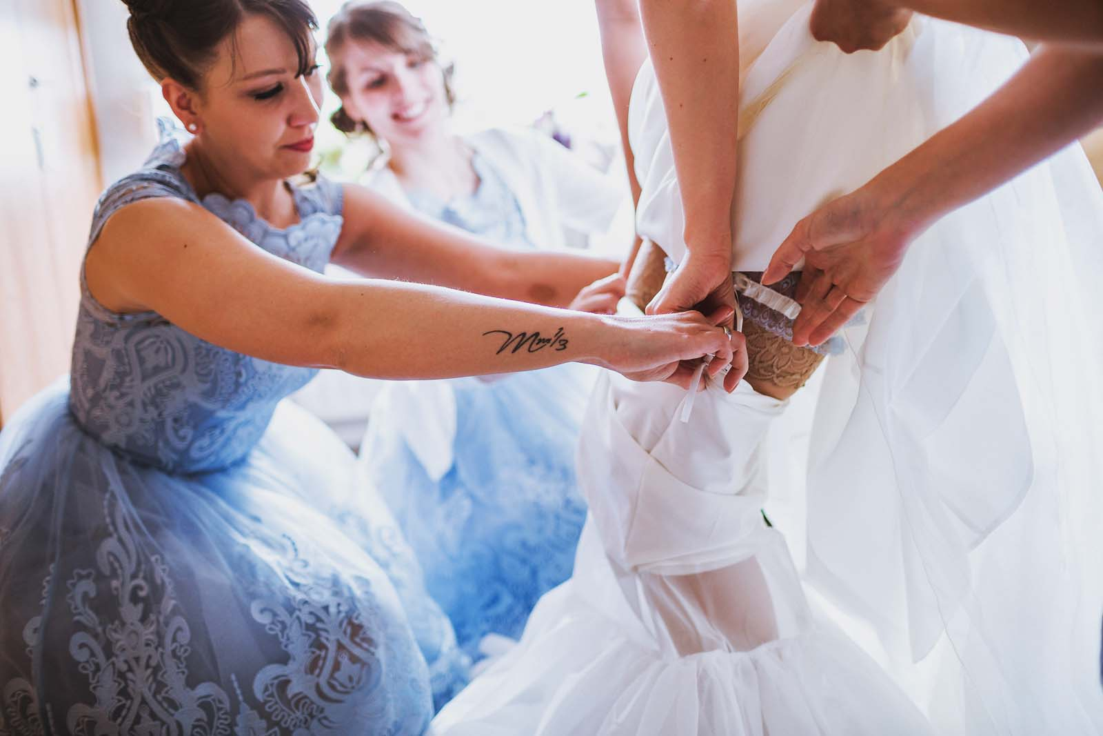 Vorbereitung Braut Hochzeit Copyright by Hochzeitsfotograf www.berliner-hochzeitsfotografie.de