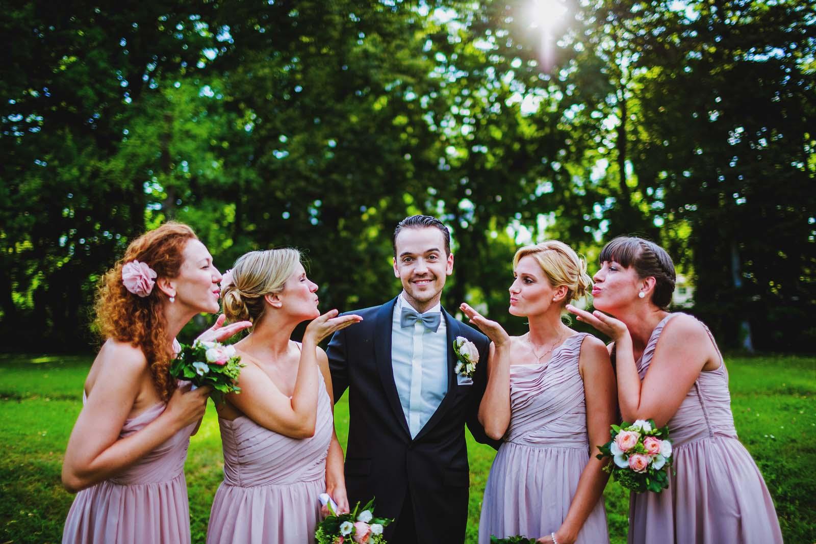 Lustiges Gruppenfoto vom Hochzeitsfotograf Berlin Copyright by Hochzeitsfotograf www.berliner-hochzeitsfotografie.de