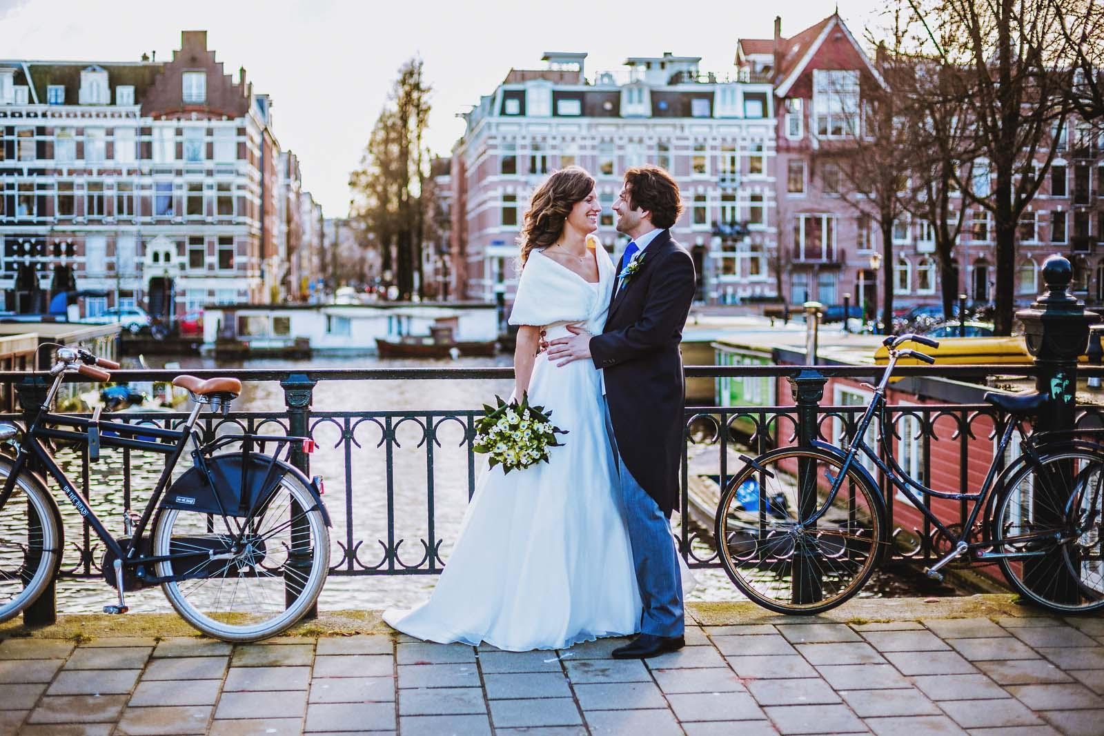 Hochzeitsfotograf beim Fotoshooting in Amsterdam Copyright by Hochzeitsfotograf www.berliner-hochzeitsfotografie.de