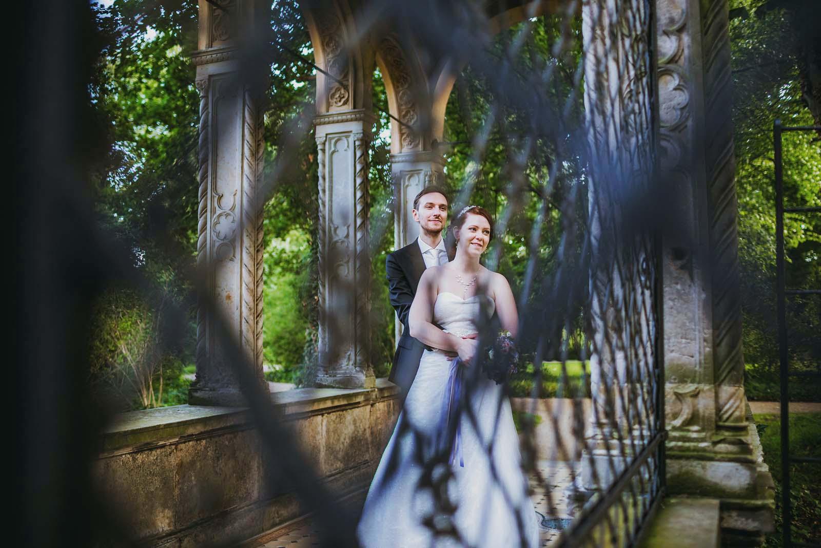 Hochzeitsfotograf Berlin Hochzeitsportrait im Schloss Glienicke Copyright by Hochzeitsfotograf www.berliner-hochzeitsfotografie.de