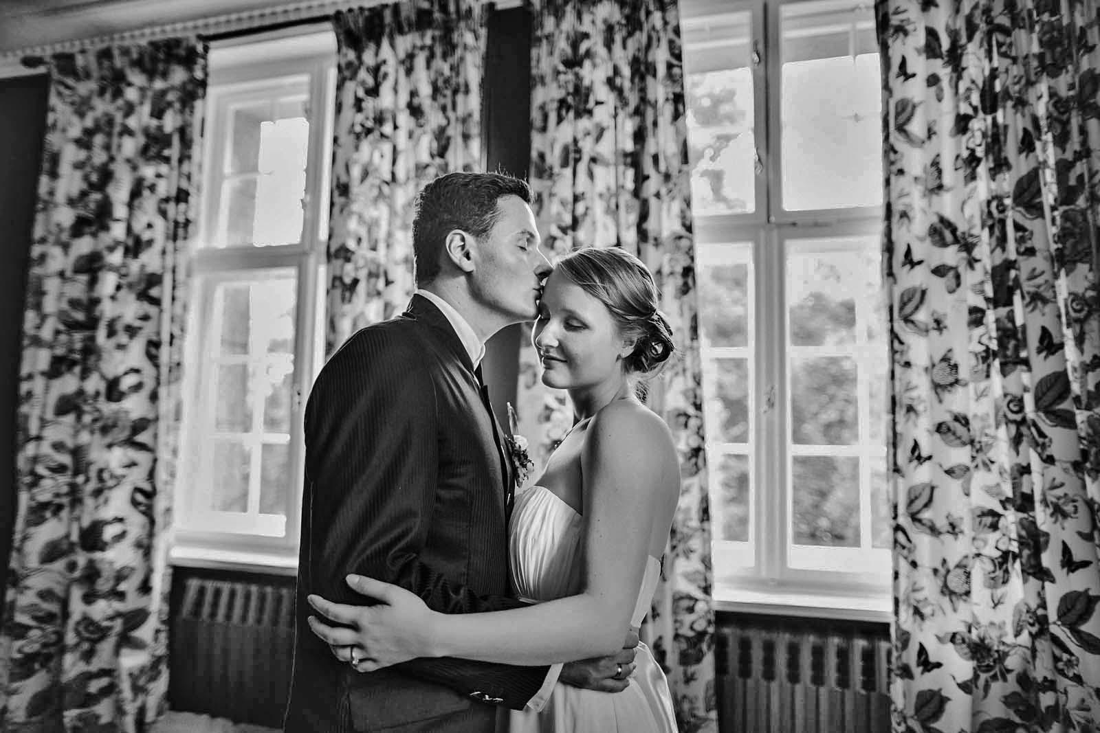 Hochzeitsfotograf Jagdschloss Bellin Copyright by Hochzeitsfotograf www.berliner-hochzeitsfotografie.de