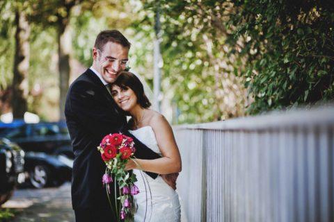 Hochzeitsfotograf Berlin beim Shooting mit einem Brautpaar in Reinickendorf