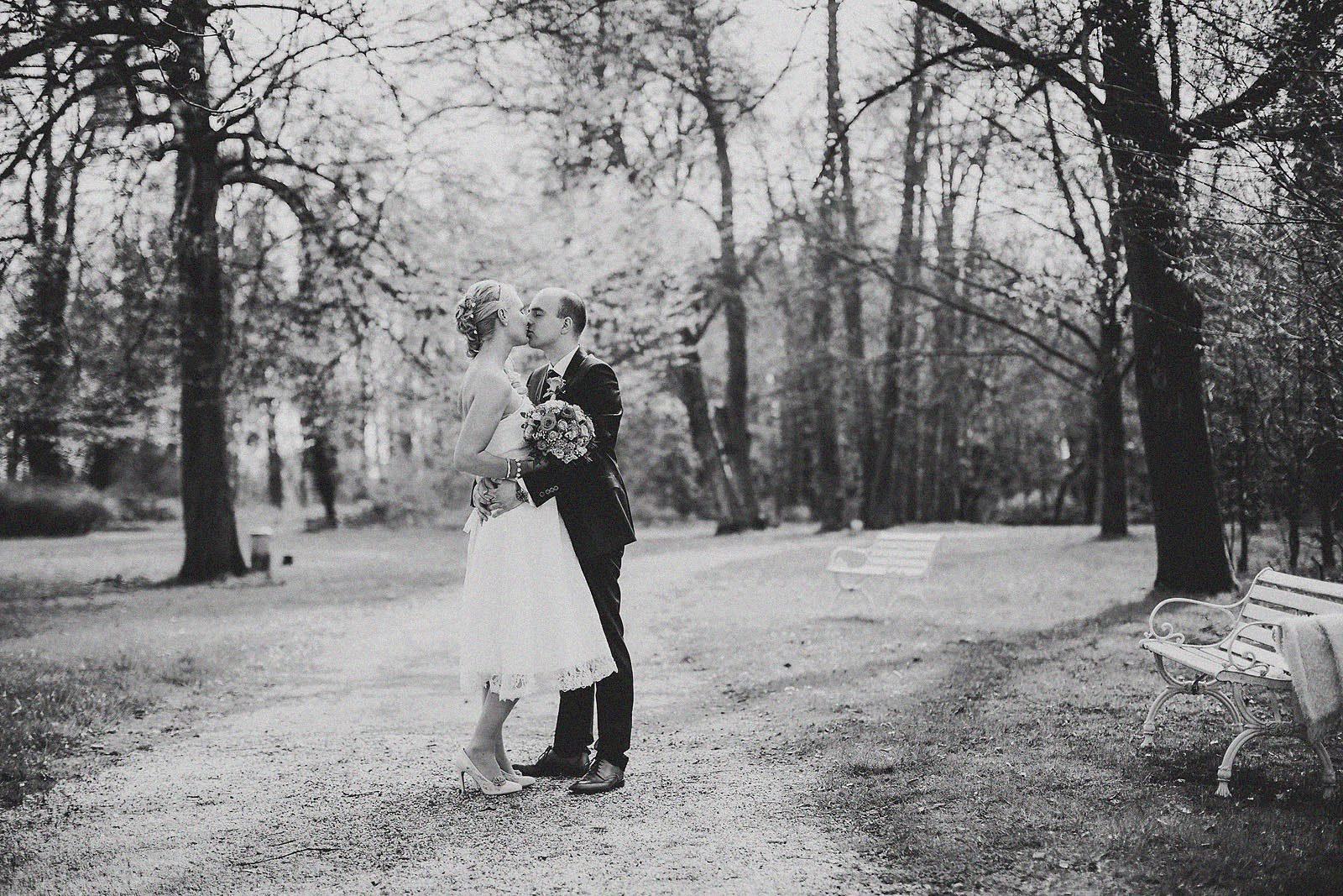 Hochzeitsfotograf auf Schloss Kartzow im Frühling
