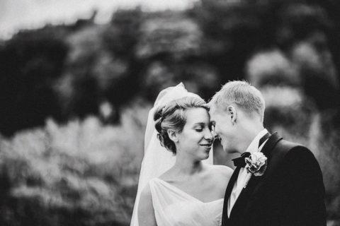 Hochzeitsfotograf Brautpaar beim Shooting am Schloss Wulkow